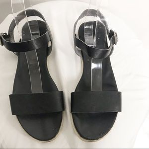 Comfy Flat Black Leather Sandals Size 9.5